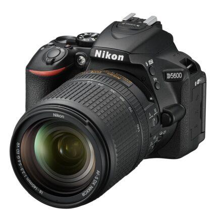 Nikon D5600 Kit incl. AF-S DX 3,5-5,6/18-140mm G ED VR zwart